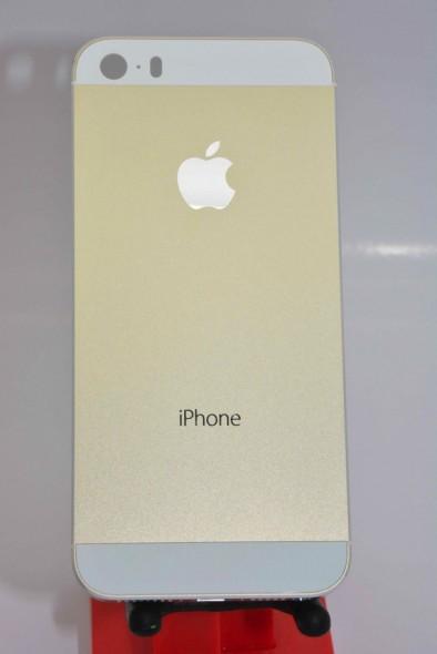 1-iphone-5s-gold-leak-2