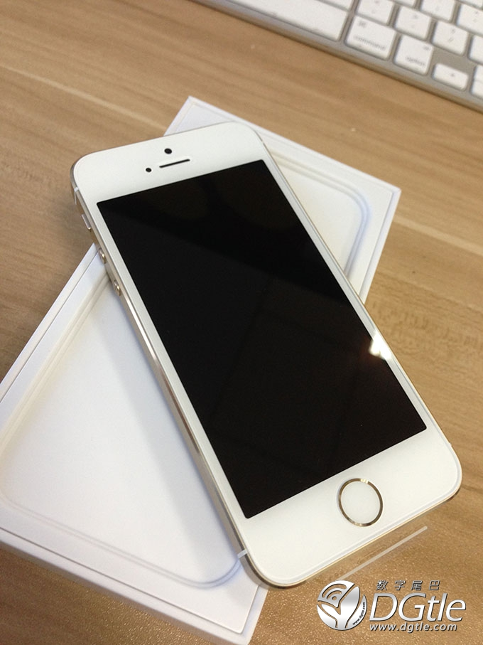 iPhone-5s-unboxing5