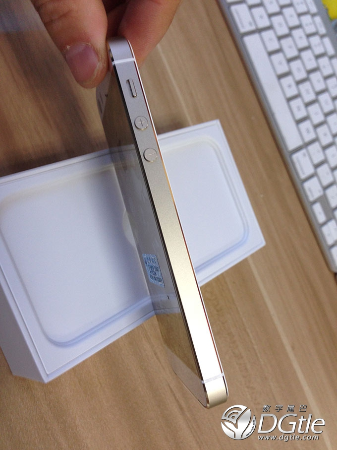 iPhone-5s-unboxing6