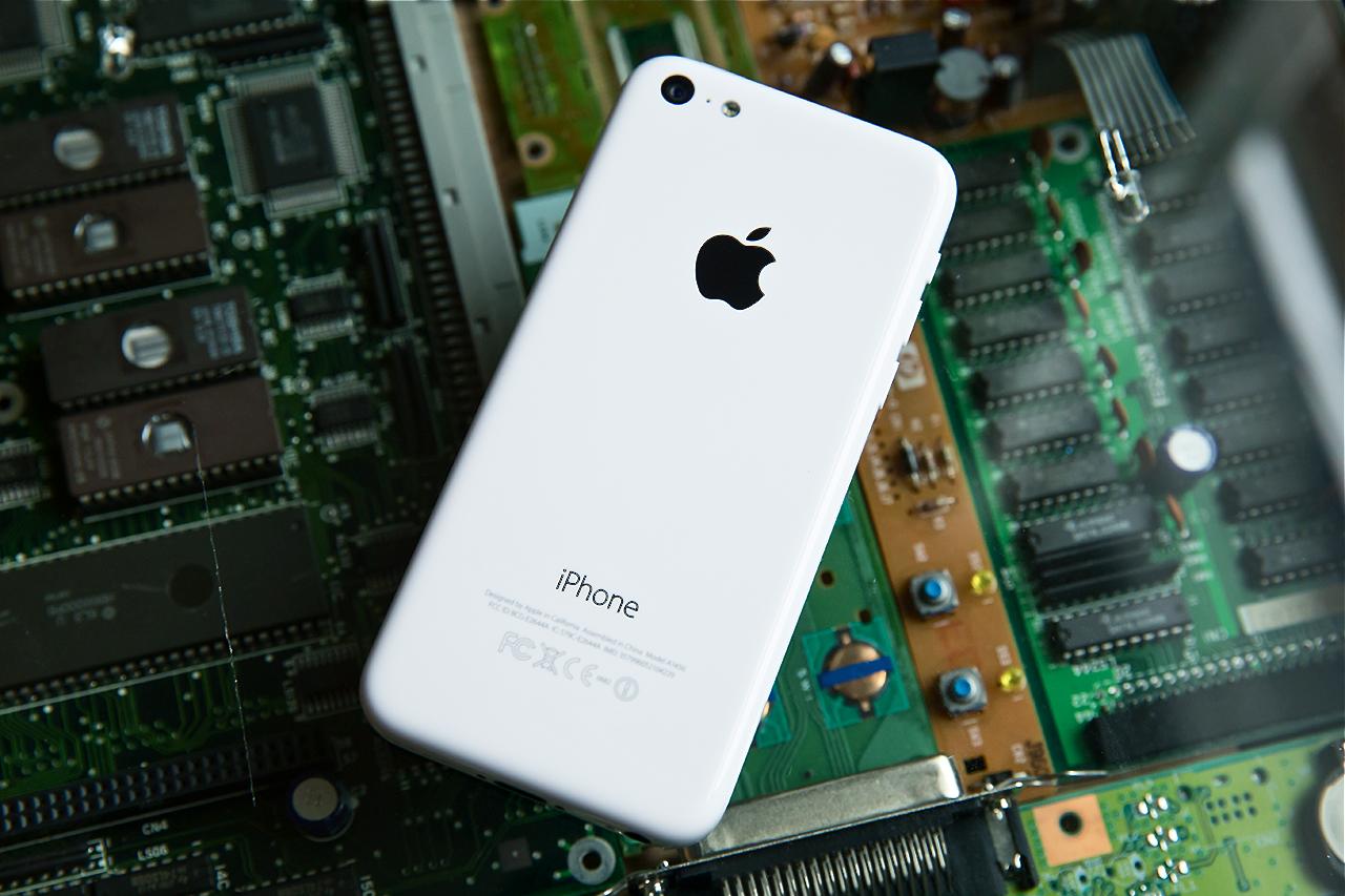 iphone5c-back-high-angle